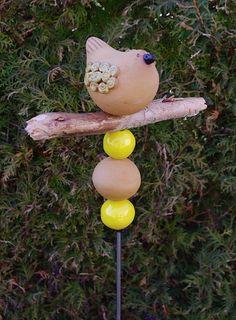 Stele Vogel Keramik Gelb Frostfest von Kleine Töpferei auf DaWanda.com