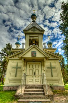 The Orthodox Church of Hanko, Finland Cathedral Basilica, Cathedral Church, Old Country Churches, Old Churches, Grave Monuments, Old Time Religion, My Father's House, Take Me To Church, Christian Images
