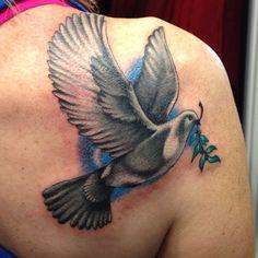 Black Dove Tattoo Design on Shoulder for Women | Cool Tattoo Designs