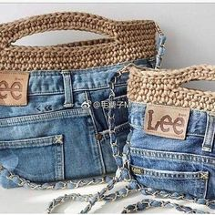 Crochet handbags 56858014032238816 - Sac jeans Source by patricebessone Jean Crafts, Denim Crafts, Crochet Handbags, Crochet Purses, Sac Granny Square, Jean Purses, Diy Jeans, Denim Purse, Denim Shorts