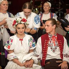Slovakia Folk Costume, Costumes, Folk Embroidery, European Countries, Reference Images, Traditional Dresses, Czech Republic, Wedding Couples, Ruffle Blouse