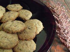 Cookies de pistachos y chocolate  http://enmilbatallas.com/2011/04/27/cookies-de-pistachos-y-chocolate/