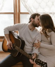 In-Home Maternity Session Maternity Photography Poses, Maternity Session, Maternity Pictures, Pregnancy Photos, Engagement Session, Pregnancy Wear, Pregnancy Advice, Boudoir Photography, Couple Photoshoot Poses