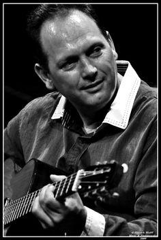 Stochelo Rosenberg music @ All About Jazz Gypsy Eyes, Django Reinhardt, All About Jazz, French Names, Gypsy Jazz, Jazz Guitar, Oh My Love, Jazz Musicians, Legends