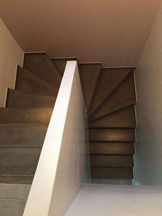 - Escalier béton teinté gris anthracite - 2/4 tournant - Mur d'échiffre p... - #anthracite #Beton #d39échiffre #Escalier #gris #Mur #teinté #tournant