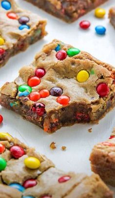 Beware: These thick and chewy Brown Butter M&M Blondies are irresistible! - Beware: These thick and chewy Brown Butter M&M Blondies are irresistible! Beware: These thick and chewy Brown Butter M&M Blondies are irresi. Fun Desserts, Dessert Recipes, Easter Recipes, Recipes Dinner, Easter Desserts, Easter Treats, Easter Snacks, Seafood Recipes, Health Desserts