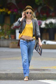 Sienna Miller - Sienna Miller Runs Errands
