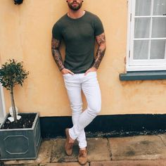 Green #tshirt white pants and suede shoe by @chezrust [ http://ift.tt/1f8LY65 ]