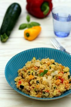 Quinoa Risotto with Zucchini, Pepper and Parmesan Weight Watchers) faciles gourmet de cocina de postres faciles pasta saludables vegetarianas Vegetarian Recipes, Cooking Recipes, Healthy Recipes, Healthy Lunches, Cooking Risotto, Stuffing Recipes, Risotto Recipes, Chicken Meal Prep, Turkish Recipes