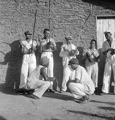 Pierre Verger - Capoeira, Salvador, Brasil, 1946-1948 Angola Africa, Brazilian Martial Arts, Editing Skills, Black People, Choir, Great Photos, Afro, Kicks, The Past