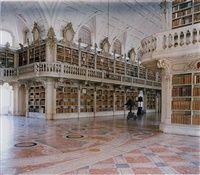 -46-Biblioteca do Palacio e Convento de Mafra IV by Candida Höfer
