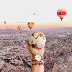 Image may contain: one or more people and outdoor göreme, kapadokya Travel Pictures, Travel Photos, Landscape Photography, Travel Photography, Cappadocia, Travel Aesthetic, Travel Goals, Travel City, Air Balloon