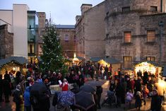 The Oxford #ChristmasMarket is a German-style Christmas Market that takes place in the heart of the city on the historic and beautiful Broad Street