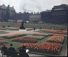 Manchester Picadilly Gardens 1940's.  What a shame it's not like this anymore :(