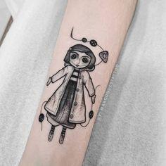 Coraline Jones, Bts Tattoos, Cool Tattoos, Tatoos, Leg Sleeves, Vintage Horror, First Tattoo, Tattoos For Women, Body Art