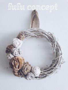 el işi -  tasarım -  kapı süsü - kumaş - fabric - flower - çelenk - door wreath