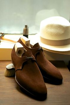 Saint  Crispin's  Brown  Suede......