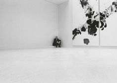 Jean Fournier, à la galerie, rue Quincampoix, exposition Sam Francis, juin 1985.