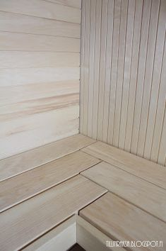 People have been enjoying the benefits of saunas for centuries. Spending just a short while relaxing in a sauna can help you destress, invigorate your skin Portable Steam Sauna, Sauna Steam Room, Sauna Room, Saunas, Mini Sauna, Piscina Spa, Sauna House, Outdoor Sauna, Sauna Design