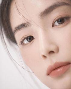 Asian Models Female, Korean Makeup Look, Casual Makeup, Korean Girl Photo, Putting On Makeup, Beauty Shots, Aesthetic Hair, Girls Makeup, Everyday Makeup