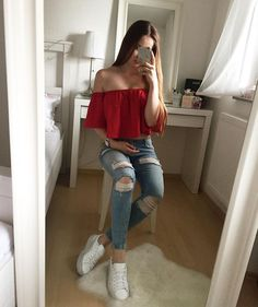 red top with trendy distressed denim jeans and comfy sneakers. Teenage Outfits, Outfits For Teens, Summer Outfits, Girl Outfits, Fashion Outfits, Look Fashion, Girl Fashion, Grunge Look, Distressed Denim Jeans
