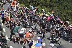 Tour de France - #8 : vers Bagnères-de-Luchon, les rois de la montagne vont briller - Les Pyrénées dévoilent à nouveau ses plus beaux sommets pour une étape dantesque entre la traditionnelle cité du Tour à l'entrée du massif, Pau, et Bagnères-de-Luchon, cité balnéaire au milieu des cimes. Avec le mythique Tourmalet, la Hourquette d'Ancizan, Val-Louron Azet et Peyresourde, les grimpeurs vont avoir un