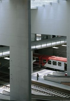 Estacion-Santa-Justa_Design-interior-andenes-pasarela-tren_Cruz-y-Ortiz-Arquitectos_DMA_53-X