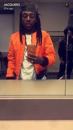 """I Was On SnapChat And I 'Accidentally' Took A Selfie While Trill Was In The Back Staring At Me Waiting To Use The Mirror Himself."" ❤️"