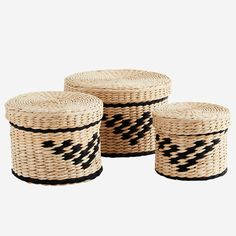 Rush and paper rope boxes in natural and black pattern with lids. The product is a set of three boxes. The products are made of natural materials Moving Furniture, Box With Lid, Friend Wedding, Black Pattern, Soft Furnishings, Scandinavian Design, Wicker, Things To Come, Pottery