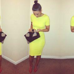 Love this yellow dress Neon Dresses, Cute Dresses, Cute Outfits, Casual Outfits, Yellow Dress Summer, Yellow Midi Dress, Dress Vestidos, Ootd, Mellow Yellow