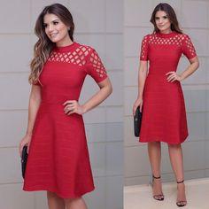 {Lady in Red ♥️} Vestido deuso de bandagem da @thaisrodrigues A loja tem tanta coisa linda! Tudo super deliciado e feminino ♥️ www.euvistothaisrodrigues.com.br • #euvistothaisrodrigues #comoumTRsoumTR
