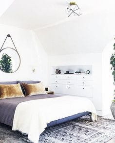 A light filled bedroom with gorgeous texture. Love this design by @laurengeremia. : @laurejoliet.