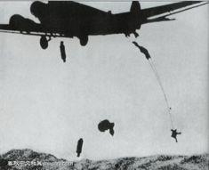 Fallschirmjäger worldwartwo.filminspector.com Junkers Ju 52 drop