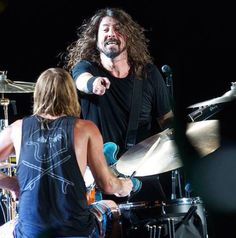 Dave grohl and Taylor Hawkins, final Brazil show. Jan 15