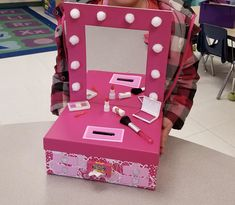 Valentine Box valentines girl gift - Taylyns Valentines Day Box for school! We found a idea a. valentines girl gift – Taylyns Valentines Day Box for school! We found a idea and put our own sp Valentine Boxes For School, Valentines Gift Box, Kinder Valentines, Valentine Day Crafts, Valentine Day Box Ideas, Diy Valentine's Box, Saint Valentin Diy, Valentines Bricolage, Valentine's Day Printables