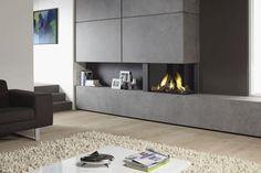 cheminée design élégant pour le salon avec un tapis en blanc cassé