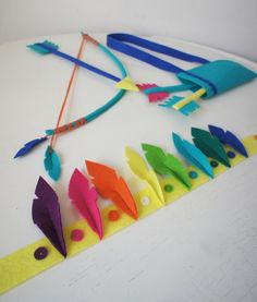 Bow & Arrows for the little indians Felt Diy, Felt Crafts, Diy And Crafts, Arts And Crafts, Creative Activities For Kids, Diy For Kids, Gifts For Kids, Archery For Kids, Cherokees
