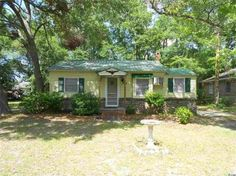 Southern living at it's best in this quaint Historic Conway, SC Home. 508 Pearl Street, Conway, SC 29526 US Myrtle Beach Home for Sale -