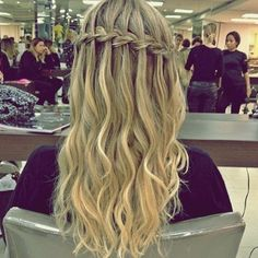 penteados com cabelo solto com trança