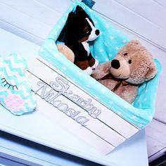 Personalizowana skrzynia na zabawki ... pomieści pluszaki Twojego dziecka :) #time2give #zabawki #toys #dziecko #baby #pokój #room #forbaby #dom #wnętrze #mama #wyposażenie #skrzynia #pastele #prezent #urodziny #home #handmade #rękodzieło #diy