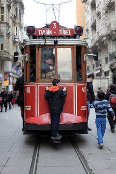 alberta / sean galbraith Istanbul - Taksim to Tünel Budapest Narrow Passage Scenic View . Trains, Places To Travel, Places To Go, Republic Of Turkey, Light Rail, Turkey Travel, Famous Places, Ottoman Empire, Oregon Coast
