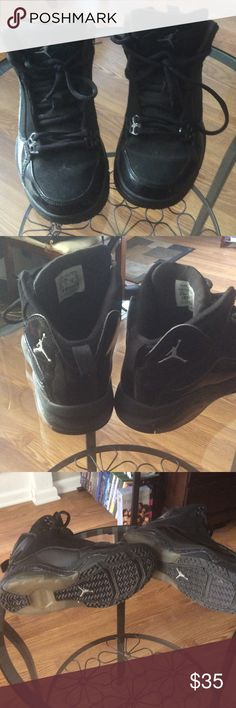 Black tennis shoes Have these tennis shoes for a while only worn them a couple of times I took the soul out so I was able to fit it this is a kids size I had small feat to fit it in excellent condition Shoes Sneakers