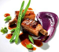 Costilla de cerdo asada con puré de patata violeta - A la carta para dos