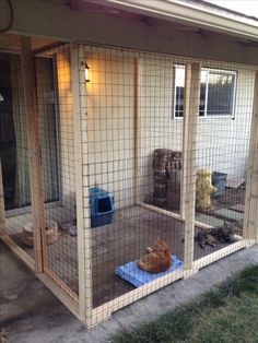 Outdoor cat area - catio~Love this, ha! Outdoor Cat Enclosure, Diy Cat Enclosure, Reptile Enclosure, Cat Kennel, Cat Cages, Cat Run, Cat Towers, Cat Condo, Outdoor Cats