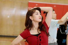 171107 TWICE 新曲『LIKEY』MV撮影現場 メイキング写真【高画質画像21枚】   K-POP時代なBIGBANG,SUPER JUNIOR,少女時代,東方神起,EXO、K-POP最新情報 K Pop, Park Ji Soo, Jihyo Twice, Chaeyoung Twice, Twice Kpop, Fancy, Nayeon, Crop Tops, Image