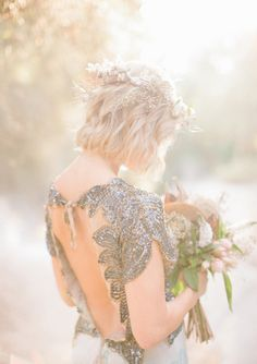 Bohemian woodland wedding inspiration | photo by Laura Goldenberger Photography | 100 Layer Cake