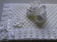 Crochet Baby Blanket and Baby Booties Set Gift Baby