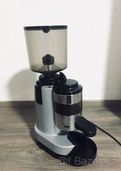 Profesionální mlýnek na kávu RR45 - 1