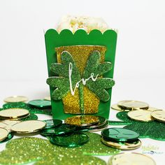 Sizzix Inspiration | Four Leaf Clover Popcorn Box by Michelle Stewart