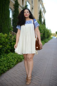 Girl With Curves : Trapeze dress Plus Zise, Mode Plus, Plus Size Fashion For Women, Plus Size Women, Plus Size Dresses, Plus Size Outfits, Curvy Fashion Summer, Girl Fashion, Fashion Outfits